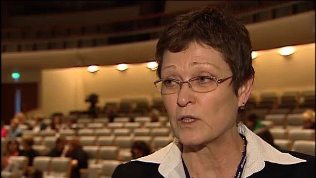 UR Samtiden - Psykisk ohälsa : Rektor Astrid Sundström Lindström