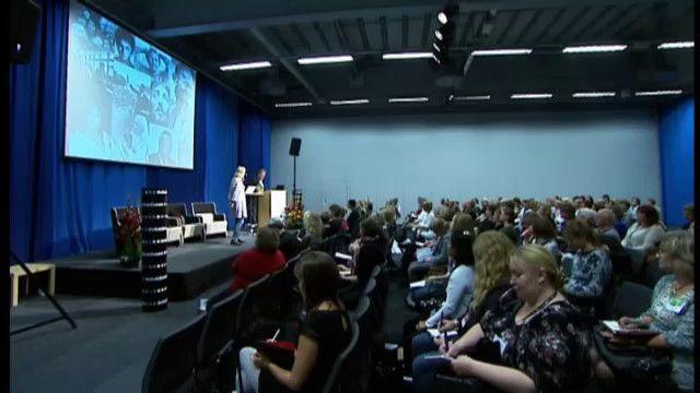 UR Samtiden - Bok och bibliotek 2010 : Samtala med tonåringar