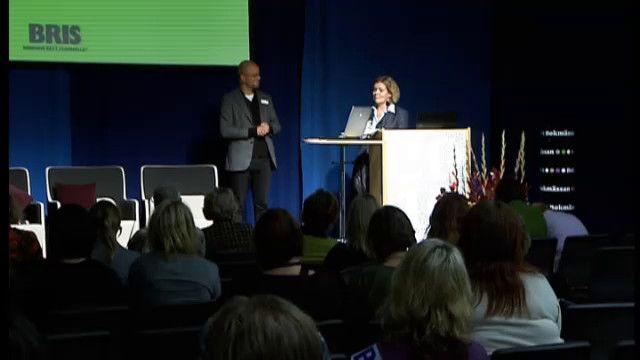 UR Samtiden - Bok och bibliotek 2010 : Viktiga samtal med barn och ungdomar