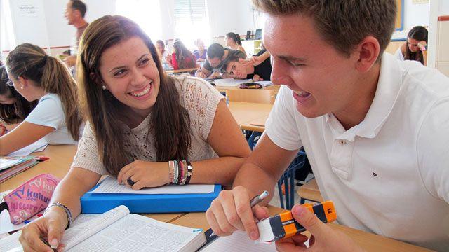 301 días, España : La escuela