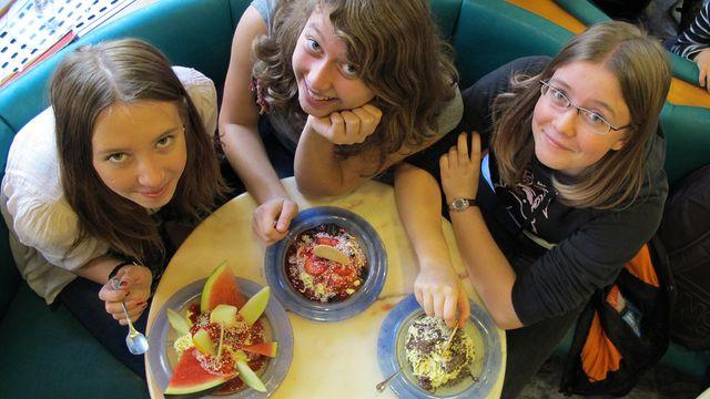 301 Tage, Deutschland : Die Freunde