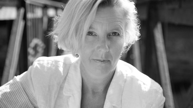 Författarröster om demokrati : Oline Stig