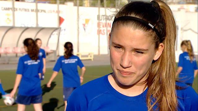 Världens fotboll : Med könet på fotbollsplan