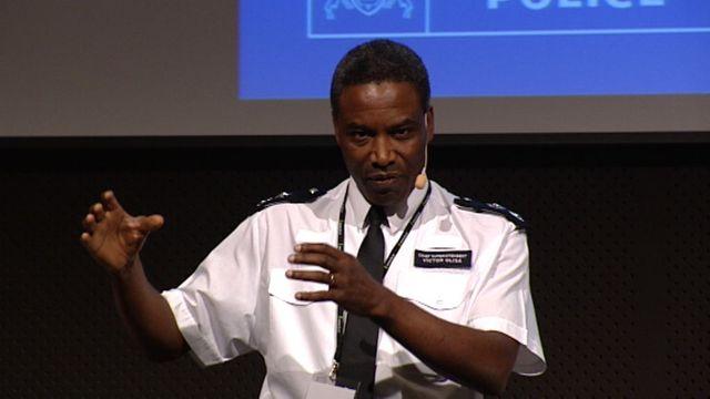 UR Samtiden - Etnisk profilering : Hur kan polisen jobba utan etnisk profilering?