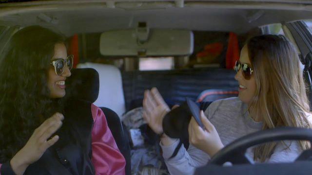 Amina och Alicia på fysikresa - teckenspråk : Ljudvågor