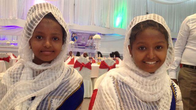 Högtider : På bröllop med Hermela och Saron