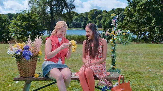 Amira Time - med stödord : Midsummer