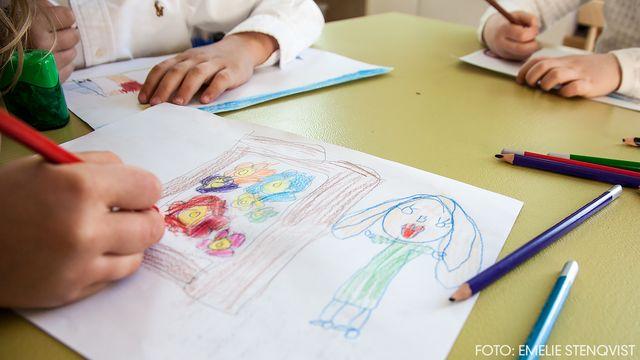 Jobba, sova, dö : Barnen och jobbet