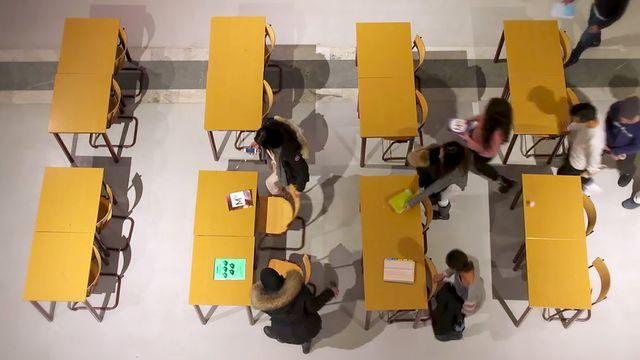 Från vardagssnack till skolspråk : Att se mönster och strukturer