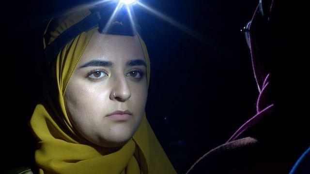 Scener ur Svenska hijabis : Glad påsk