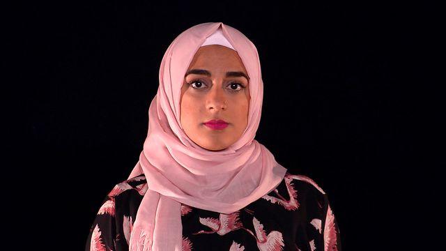 Scener ur Svenska hijabis : Jag bär min hijab som en krona
