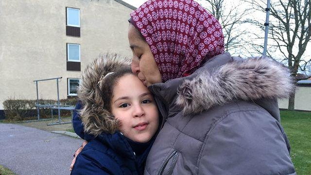 Barnaministeriet dokumentär : Marwa 10 år ska utvisas - ensam