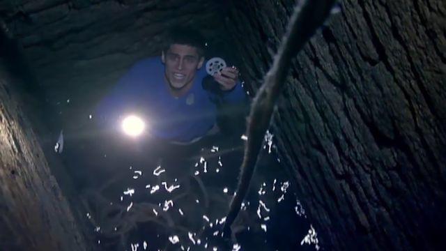 El internado : Un cadáver en la laguna