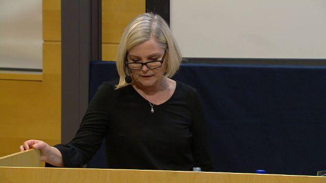 UR Samtiden - Kvinna i politiken : Könskvotering - en möjlig utväg?