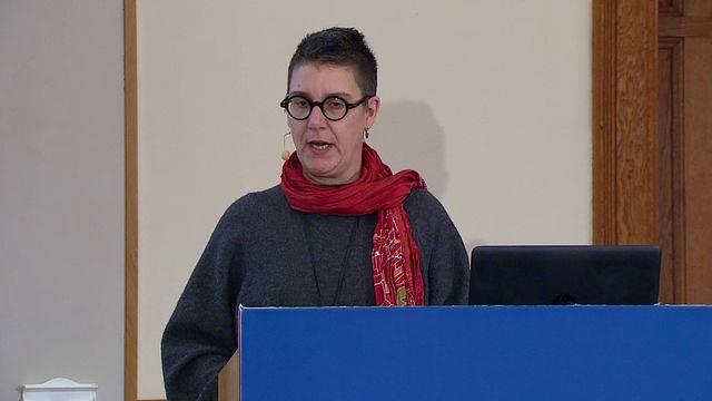 UR Samtiden - Kvinnohistoriskt arkiv : En värld av kvinnor