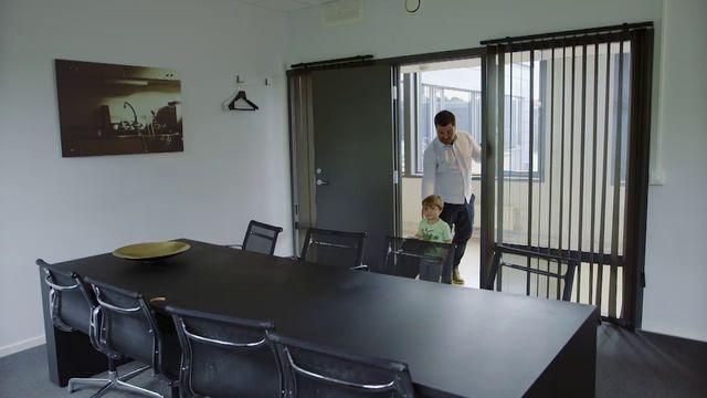 Brillebjörn : Kontoret