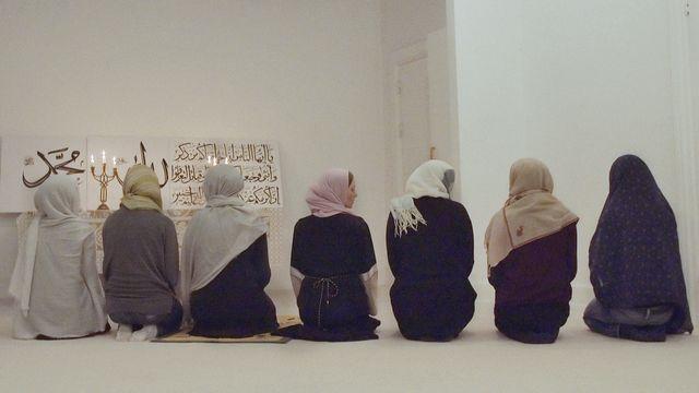 Den kvinnliga imamen : En liten församling har fredagsbön