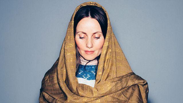 Den kvinnliga imamen : Sherin ber