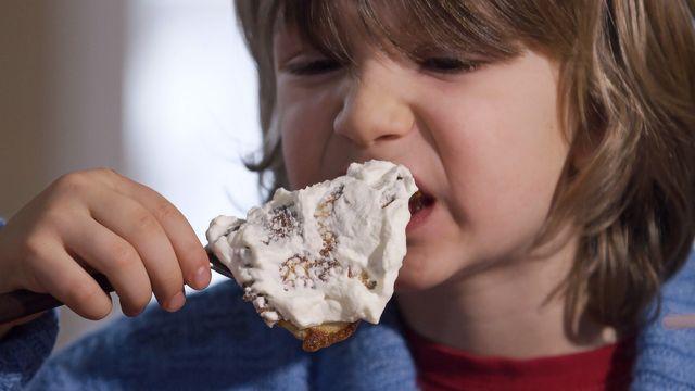 Bara vanligt vatten - syntolkat : Vatten i en pannkaka